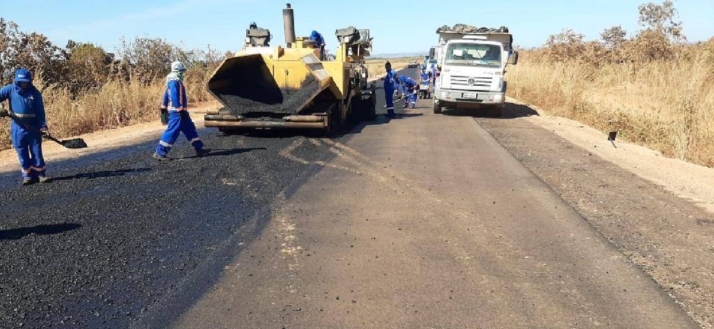 Governo avança com asfalto em 147 km de rodovias em Paranatinga